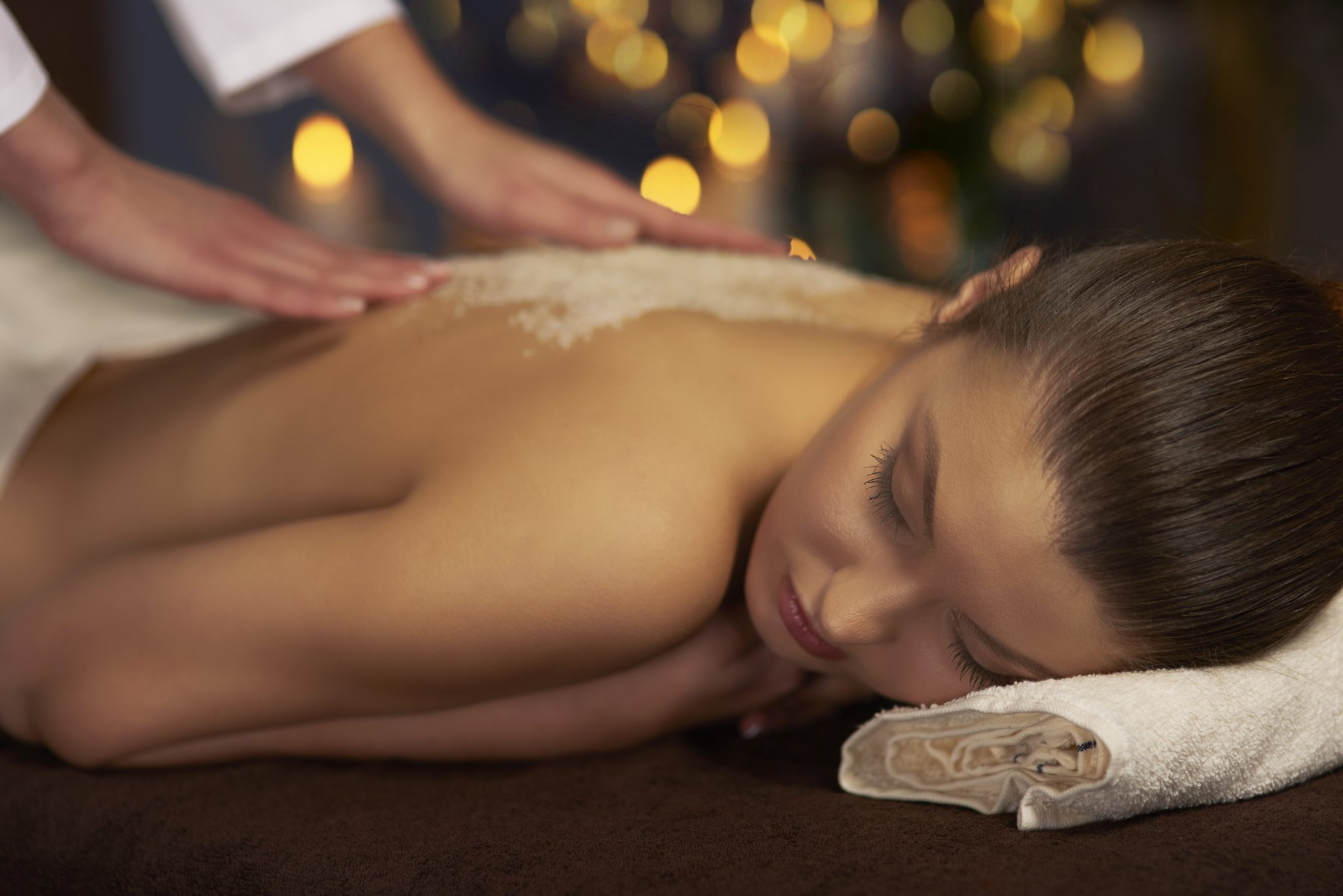 Back massage and exfoliation treatment